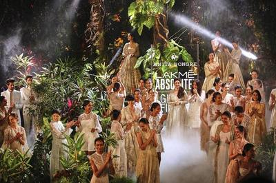 Anita dongre s grand finale at lakme fashion week 2017