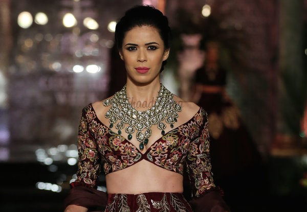 Blouse style 5 embroidered floral blouse with deep neckline manish malhotra india couture week 2016